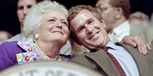 Barbara Bush, mère et femme de présidents arrête son traitement médical et va suivre des soins palliatifs