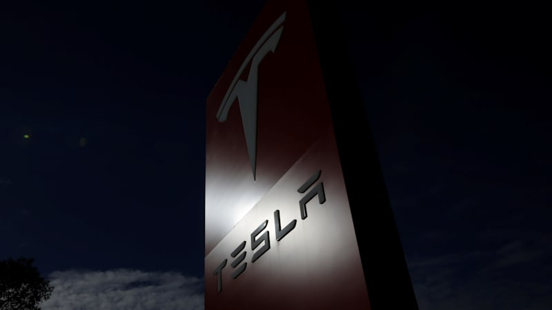 Tesla asking more employees to be Autopilot beta testers