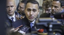 Di Maio richiama i suoi all'obbedienza sul dl