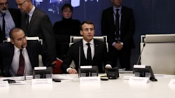 Entre l'attentat de Strasbourg et les gilets jaunes, Macron pris en