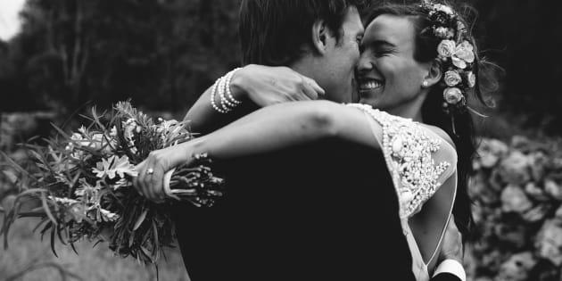 On ne peut pas se défaire du contrat de mariage et du régime matrimonial même si l'on divorce à l'extérieur du Québec, la loi s'appliquera tout de même, car c'était la loi sur laquelle le mariage est fondé.
