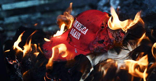 Polls Show President Trumps Popularity Has Primarily Dipped In - Deplorable trump supporters hats with us map of red states