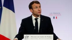Macron en opération séduction devant les maires de