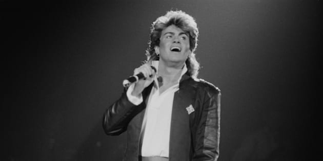 Singer-songwriter George Michael of Wham!, performing on stage during the pop duo's 1985 world tour, January 1985.'The Big Tour' took in the UK, Japan, Australia, China and the US. (Photo by Michael Putland/Getty Images)