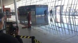 L'aéroport de New York inondé et bloqué à cause du
