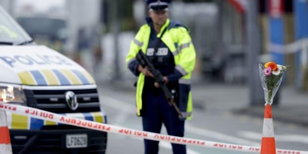 """La Nouvelle-Zélande entend """"changer ses lois"""" sur le port d'armes après l'attaque de Christchurch (Image d'illustration ce 15 mars près du lieu du drame)."""