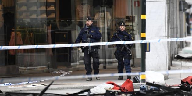 """Le principal suspect de l'attentat au camion bélier qui a fait quatre morts à Stockholm """"reconnaît avoir commis un acte terroriste""""."""