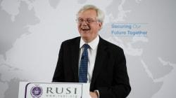 Dimite el ministro británico para el Brexit por su oposición al plan de Theresa