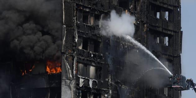 Incendie de Londres: une veillée pour le Ramadan a peut-être sauvé des habitants de la Grenfell Tower