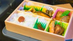 勤務中に弁当注文。中抜け3分を半年で26回した神戸市職員を処分 厳しすぎ?