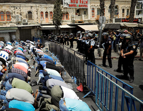 Israel bans men under 50 from Jerusalem holy site
