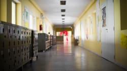 Crolla una parete in una scuola vicino Napoli: feriti una maestra incinta e un