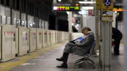Cos'è il karoshi, l'eccesso di lavoro che in Giappone ha provocato oltre 2000 morti in un