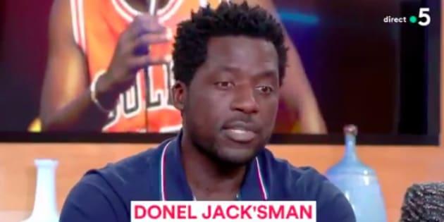 """Invité de """"C à vous"""" sur France 5, Donel Jack'sman a expliqué ce qui l'a fait changer d'avis alors qu'il ne voulait pas porter plainte."""
