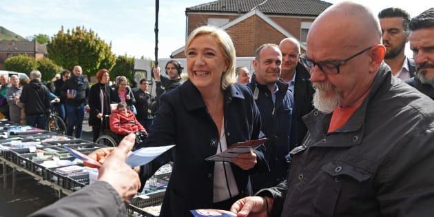 Marine Le Pen a Hénin-Beaumont, lundi 24 avril 2017, au lendemain du premier tour de l'élection présidentielle où elle est arrivée en deuxième position derrière Emmanuel Macron.