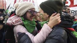 A emoção das mulheres ao conquistar o 1° passo da legalização do aborto na