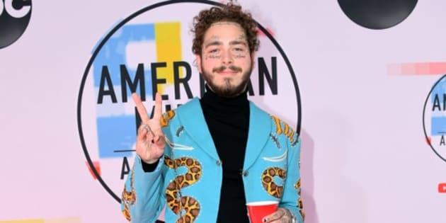Le rappeur Post Malone sur le tapis rouge des American Music Awards, le 9 octobre 2018 à Los Angeles.