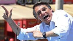 Bolsonaro promete 'libertar' cubanos do Mais Médicos se aprovados no