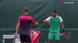 À Roland-Garros, ce Français refuse de serrer la main de son adversaire après sa