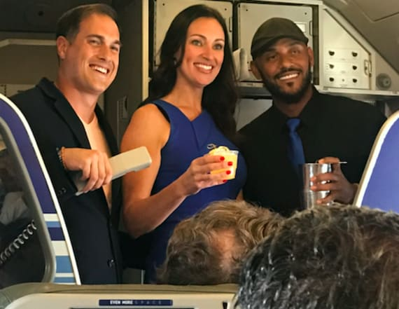 JetBlue surprises flight with TV stars and cocktails