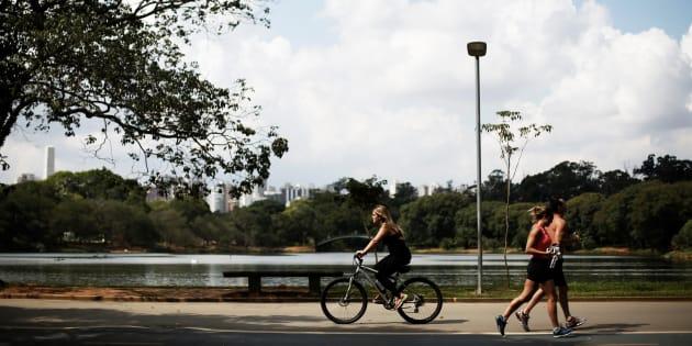 Parque do Ibirapuera, em São Paulo, foi eleito em 2015 como o melhor parque urbano do planeja pelo jornal britânico The Guardian.