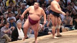 関脇・御嶽海が初優勝の栄冠に輝く。長野出身力士で初の賜杯《大相撲・名古屋場所》