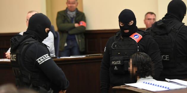 Salah Abdeslam reconnu coupable de tentative d'assassinat terroriste pour la fusillade à Bruxelles