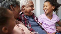 BLOG - Les grands-parents 'bonus': la bouée de sauvetage dans le chaos du