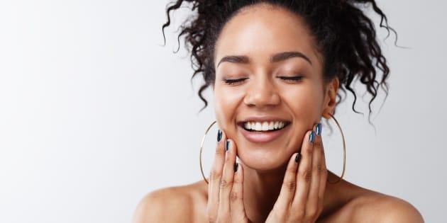 Imagen de una mujer con la piel saludable.