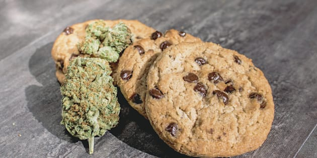 Galletas con chispas de chocolate y marihuana