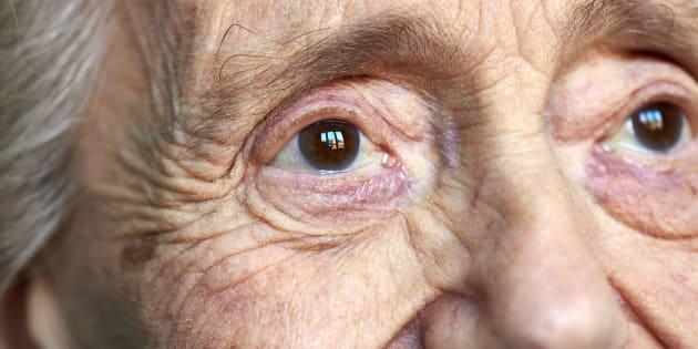 """""""Oui, notre comportement peut éviter des souffrances inutiles aux personnes souffrant d'Alzheimer."""""""