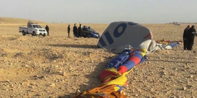 Los restos del globo accidentado en Luxor.