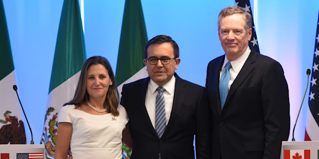 Minister of Foreign Affairs of Canada Chrystia Freeland is seen with Mexico's Secretary of Economy Ildefonso Guajardo Villarreal and U.S. Trade Representative Robert Lighthizer in Mexico City on Sept. 5, 2017.