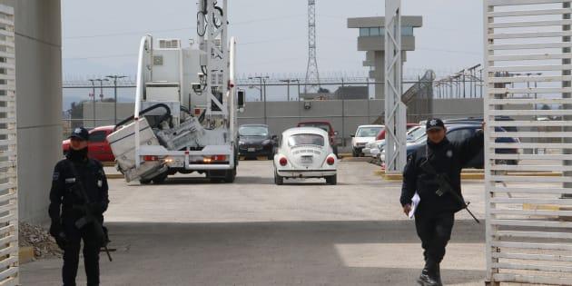 Elementos federales continúan con el fuerte operativo de seguridad al interior y al exterior del penal de máxima seguridad del Altiplano.