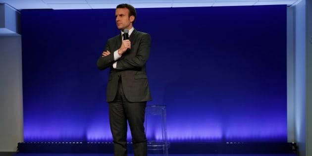 Emmanuel Macron face au défi du statut de favori.