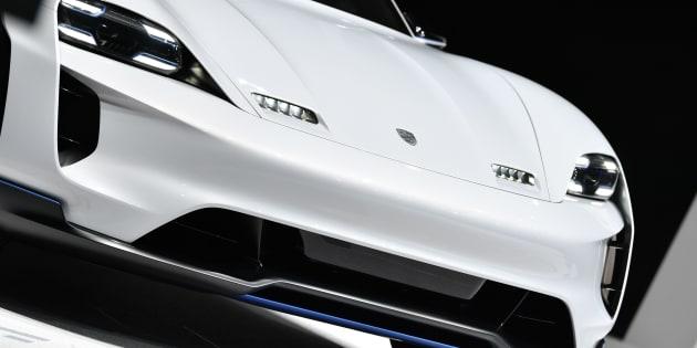 Tesla a du souci à se faire avec l'arrivée des berlines électriques Jaguar et Porsche.