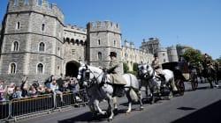A Windsor sfilano carrozze e soldati mentre Meghan e il principe Harry fanno le