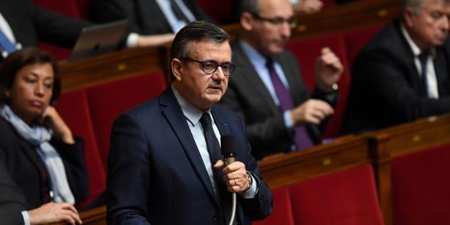 Yves Jégo veut une loi pour réquisitionner les cheminots grévistes.