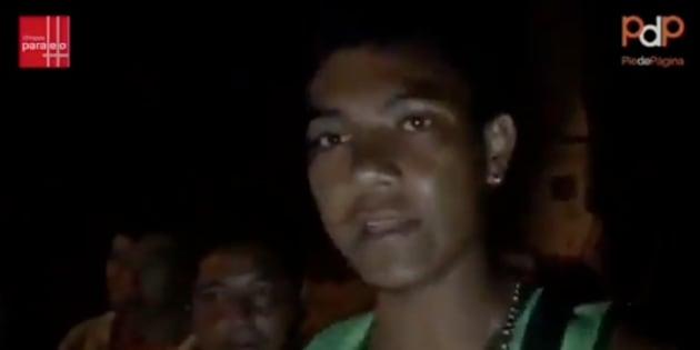 Rocían con insecticida a caravana migrante en Huixtla, Chiapas.