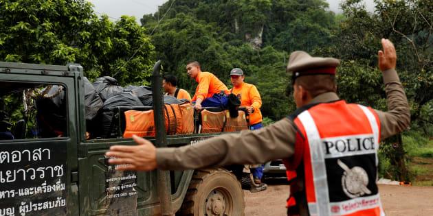 Grotte de Tham Luang en Thaïlande: L'opération d'évacuation a débuté.