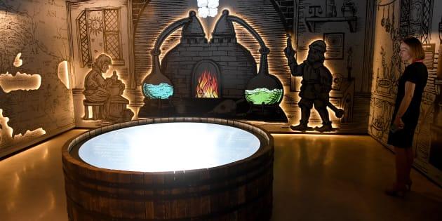Visite de l'intérieur du premier musée de la vodka polonaise à Varsovie.