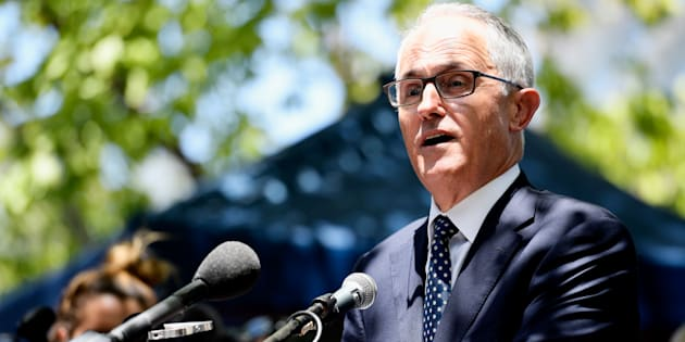 Prime Minister Malcolm Turnbull has laid a tribute at the memorial for those killed in Friday's tragic Melbourne car attack.