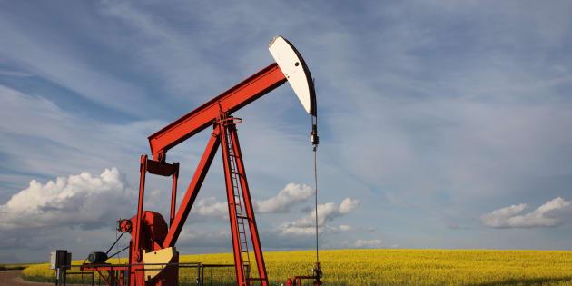 Par ces lois, le gouvernement permet et facilite l'exploration et l'exploitation du gaz et du pétrole de schiste dans tout le Québec.