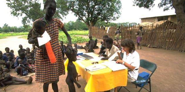 Imagen de archivo que muestra un reparto de comida de Oxfam en Sudán del Sur.