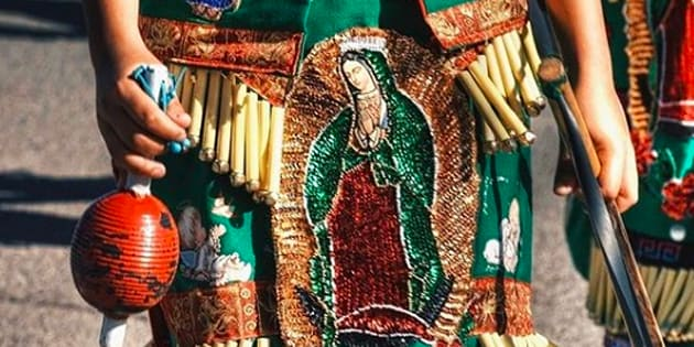 Las danzas de matachines son comunes para venerar a los Santos y Nuestra Señora de Guadalape.
