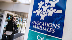 La CAF s'excuse auprès d'une mère qui avait été priée de ne pas allaiter dans ses