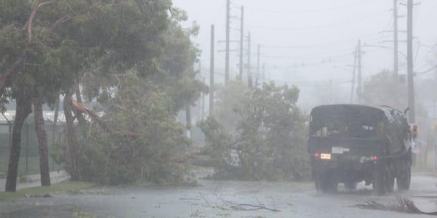 Touchée par les événements, Laeticia Hallyday poste un message inquiétant — Ouragan Irma
