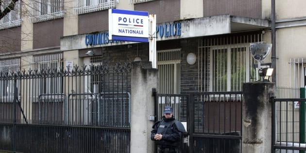 Un SDF repart d'un commissariat avec les papiers confidentiels d'un colonel de l'armée française (Photo d'illustration: le commissariat d'Aulnay-sous-Bois