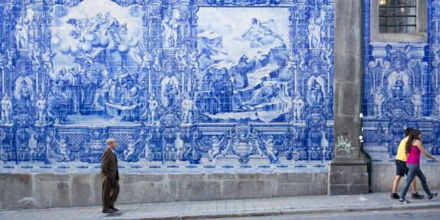 Dans une rue de Porto, au Portugal.