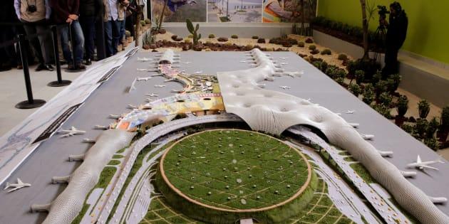 Maqueta del Nuevo Aeropuerto Internacional de México .